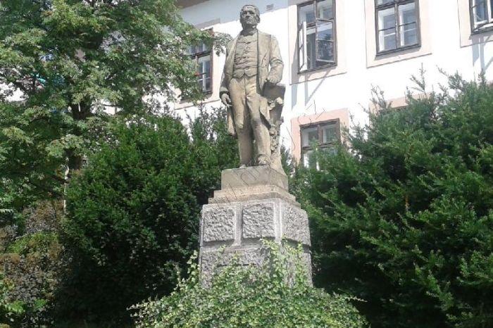 Pomník Františka Palackého - 800 x 599