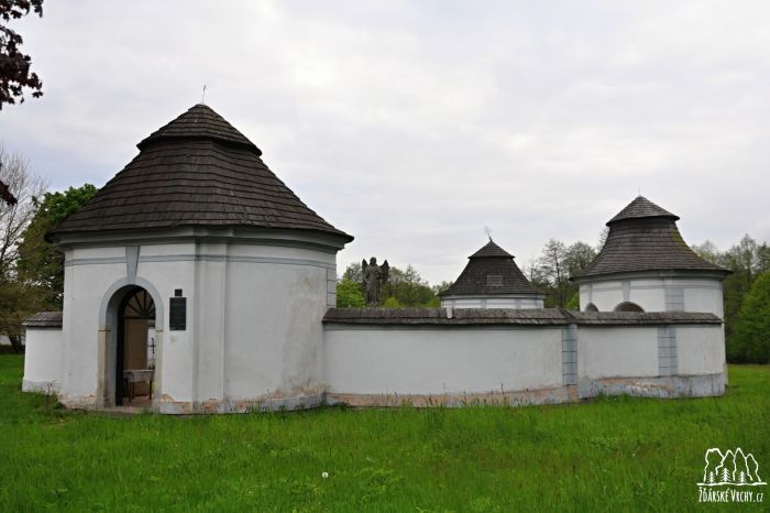 Dolní hřbitov - 1600 x 1063