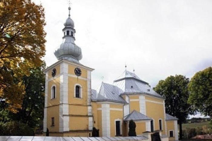 Kostel v Obyčtově ve tvaru želvy - 300 x 200